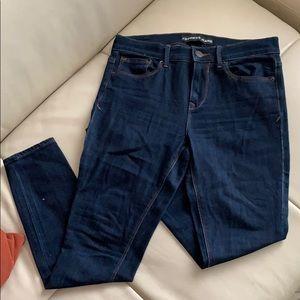 Size 4s, legging jean, dark wash w/stretch